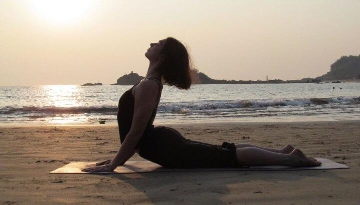 tư thế rắn hổ mang tập yoga hiệu quả nhanh