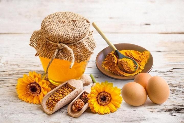 Mật ong và bột nghệ tươi vừa có thể tăng cân và làm đẹp