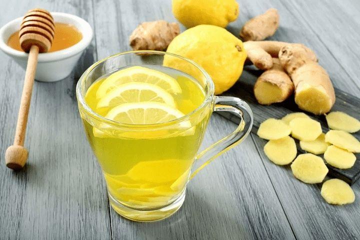 Mật ong pha nước ấm thức uống đơn giản dễ thực hiện