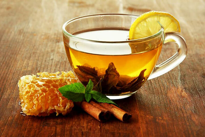 Uống nước mật ong pha quế thơm ngon, giúp giảm mỡ béo nhanh chóng
