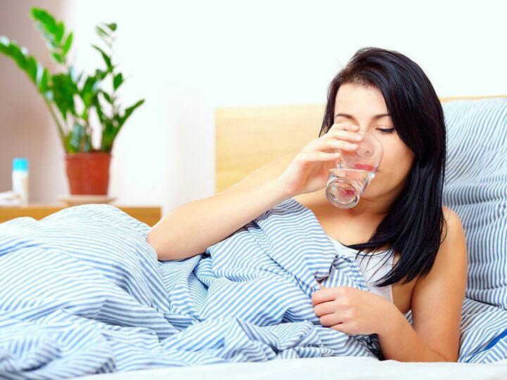 Cần kết hợp việc uống nước muối buổi sáng giảm cân với tập luyện giảm cân.