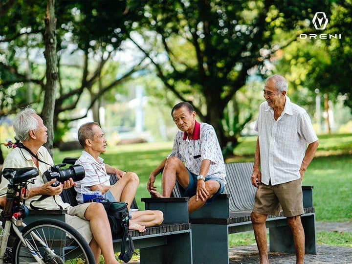 Người già cần được quan tâm để tránh những vấn đề về sức khỏe tinh thần