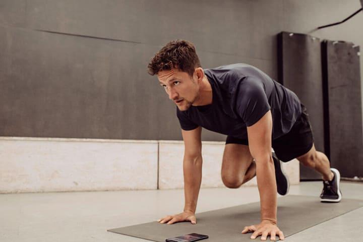 Bài tập Spider Crawl giúp tăng cơ giảm mỡ hiệu quả
