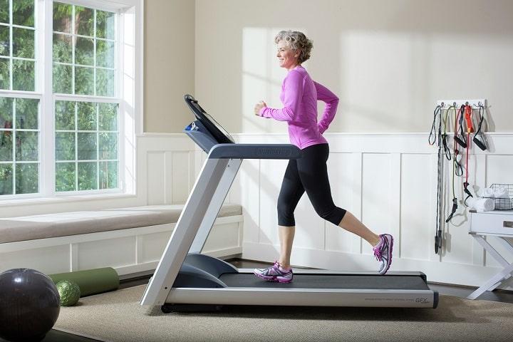 Xu hướng tập thể dục tại nhà đang được đông đảo gia đình yêu thích