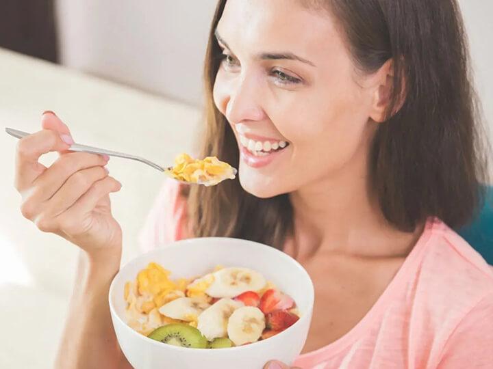 Ăn yến mạch thường xuyên sẽ giúp bạn duy trì vóc dáng cân đối