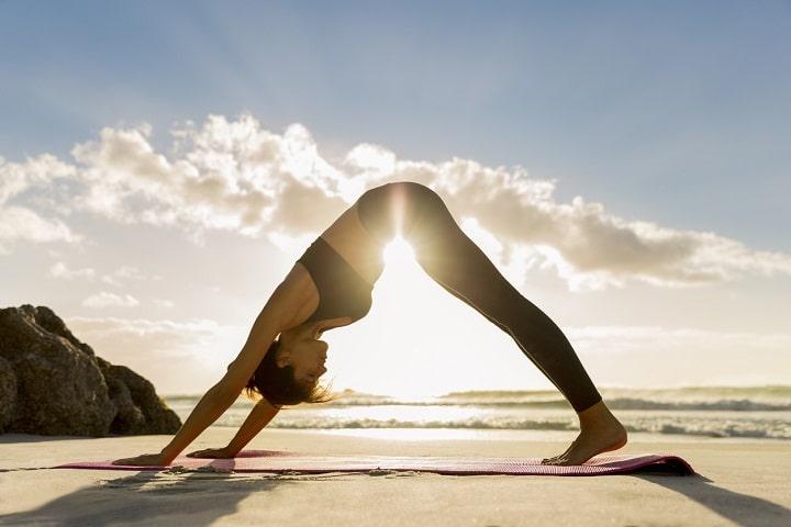 Tư thế chữ V tốt cho vùng bụng và xương hông của bạn