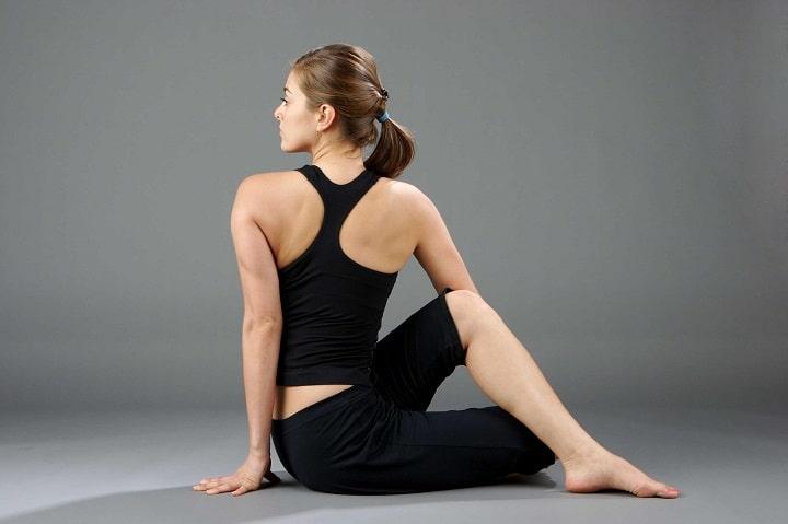 Tư thế vặn mình cơ bản trong yoga