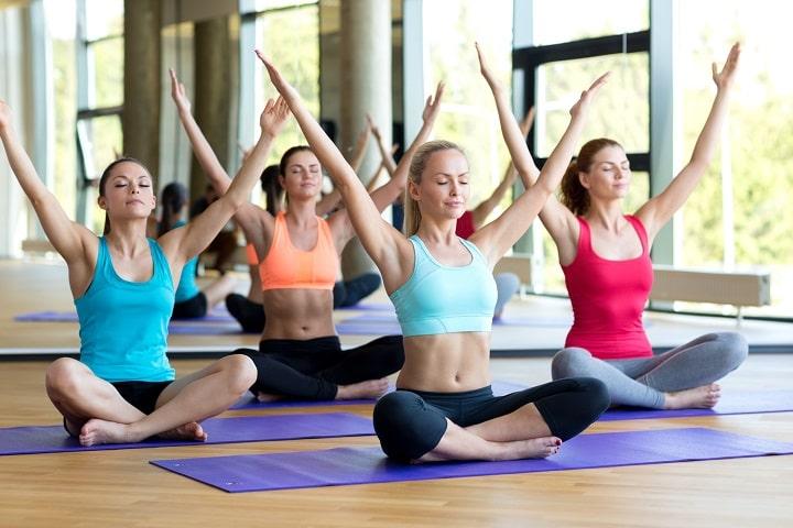 Đau lưng là tình trạng phổ biến ở người thường xuyên ngồi lâu hoặc ít vận động