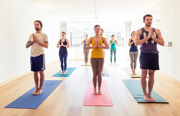 Hít thở đúng cách là nguyên tắc cực kỳ quan trọng khi bạn tập Yoga