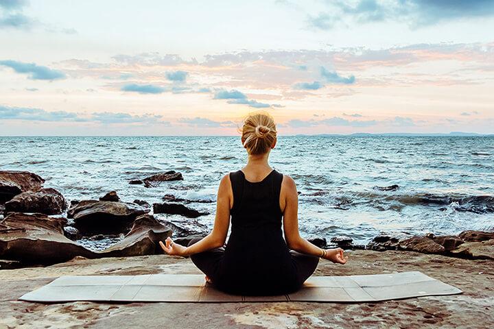 Yoga hỗ trợ giảm căng thẳng, stress rất tốt