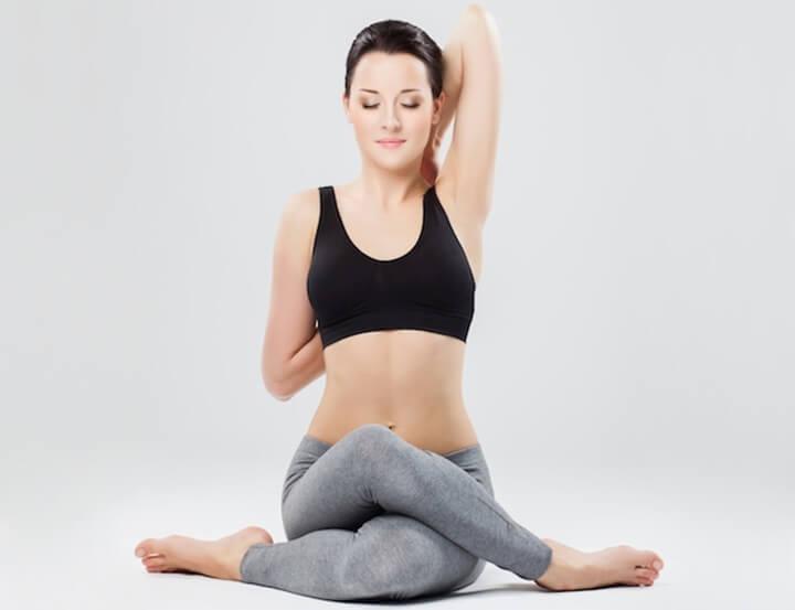 Tư thế Yoga mặt bò giúp nhóm cơ ngực săn chắc, kích thích phát triển to tròn hơn