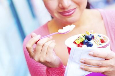 Ăn sữa chua có béo không? Cần lưu ý gì khi ăn để không béo