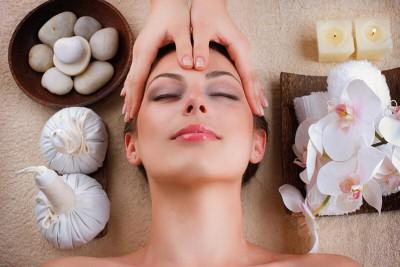 Hướng dẫn cách massage đầu xua tan mệt mỏi từ Chuyên gia