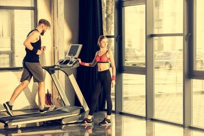 Hướng dẫn sử dụng máy chạy bộ hiệu quả cho người mới tập