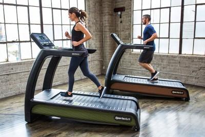 Máy chạy bộ phòng Gym là gì? Cách sử dụng máy hiệu quả?