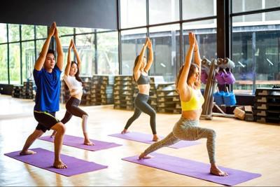 Yoga là gì? Nguồn gốc và lợi ích khi tập Yoga - 10 điều cần biết